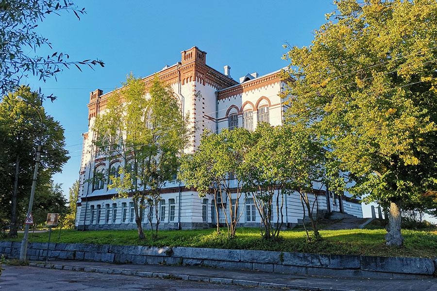 Женская гимназия в Сортавале