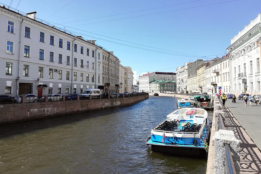 Набережная реки Мойки в Санкт-Петербурге